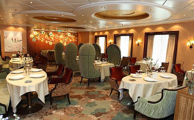 How to Dine Worldwide in 1 Day on an Oasis of the Seas Cruise ...