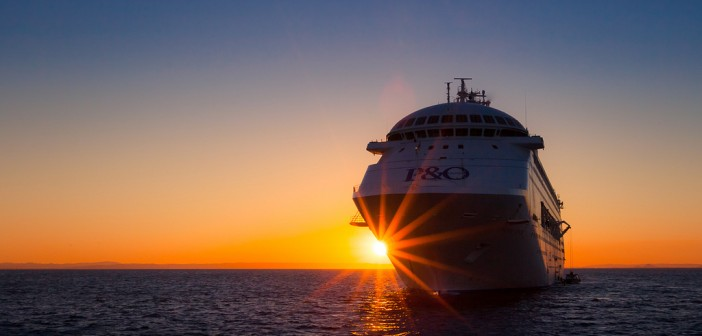 P&O Cruise Ship Source Flickr@Yanxin Wang