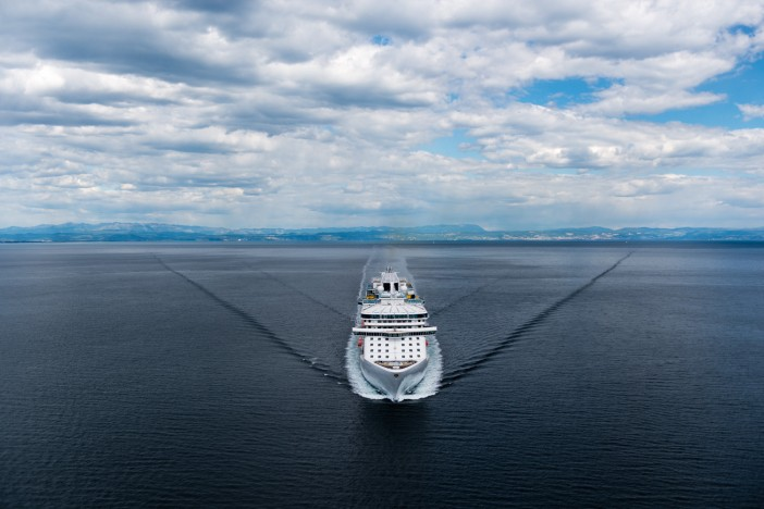 photographer captures stunning aerial images of cruise ships - Cruise Ship Photographer