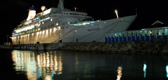 MV Discovery in Antigua @David Pedler