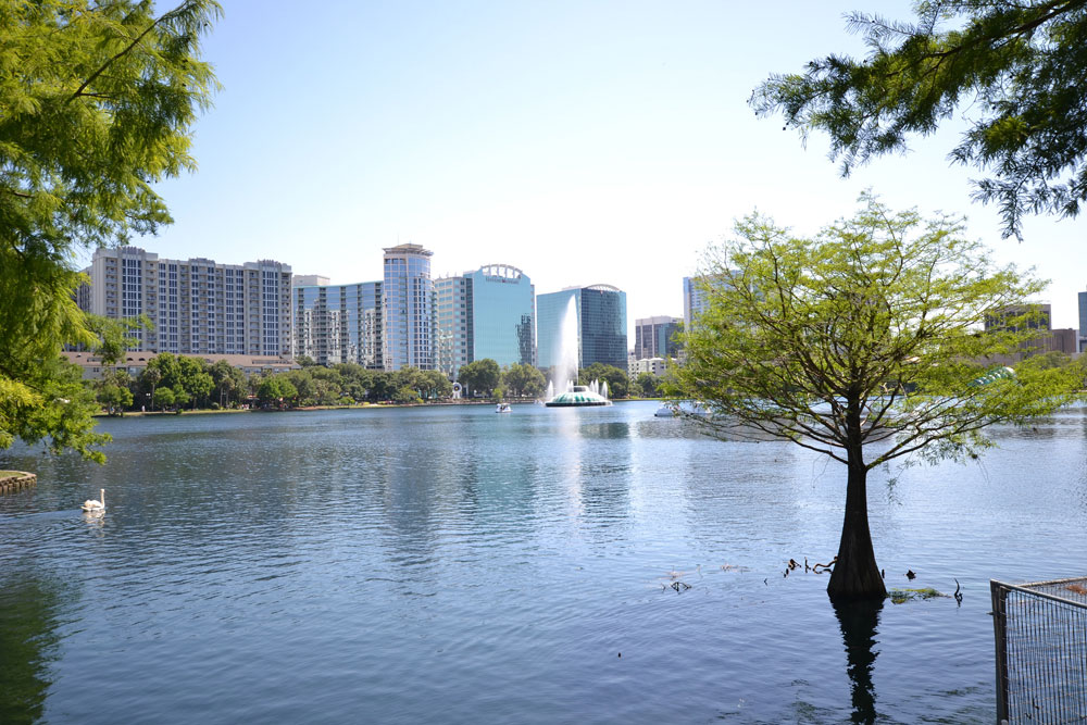 lake_eola_orlando_flickr_jamal_fanalan1
