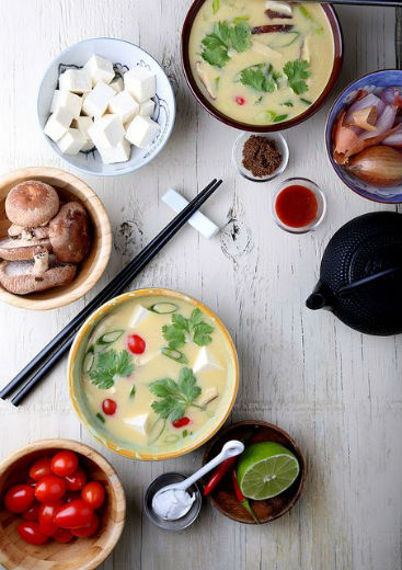 image credit; http://www.olivesfordinner.com/2013/10/quick-and-easy-fragrant-coconut-soup.html?m=1