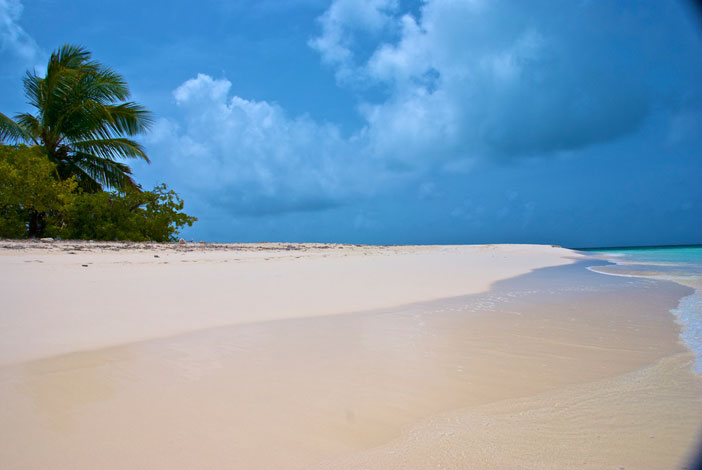 Cocoa Point, Barbuda. Flickr Creative Commons: A bloke called Jerm