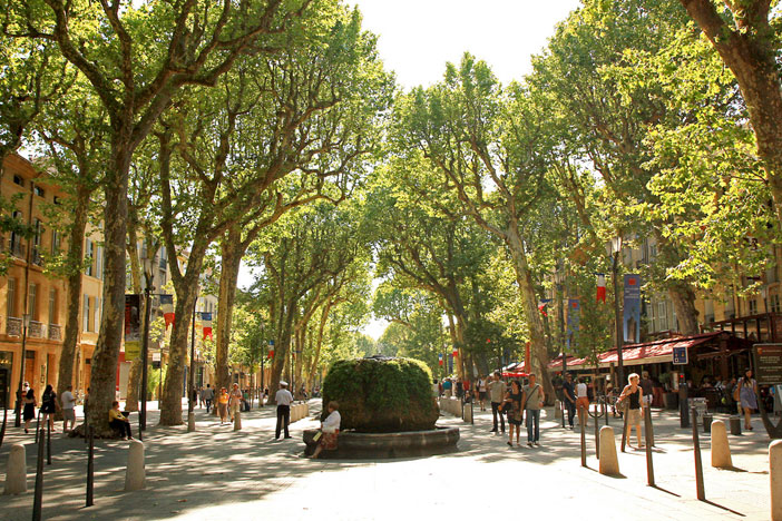 Cours Mirabeau, Aix-en-Provence. Flickr Creative Commons: Andrea Schaffer