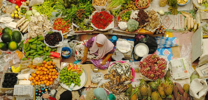 Food market in Malaysia. Flickr Creative Commons credit: M M