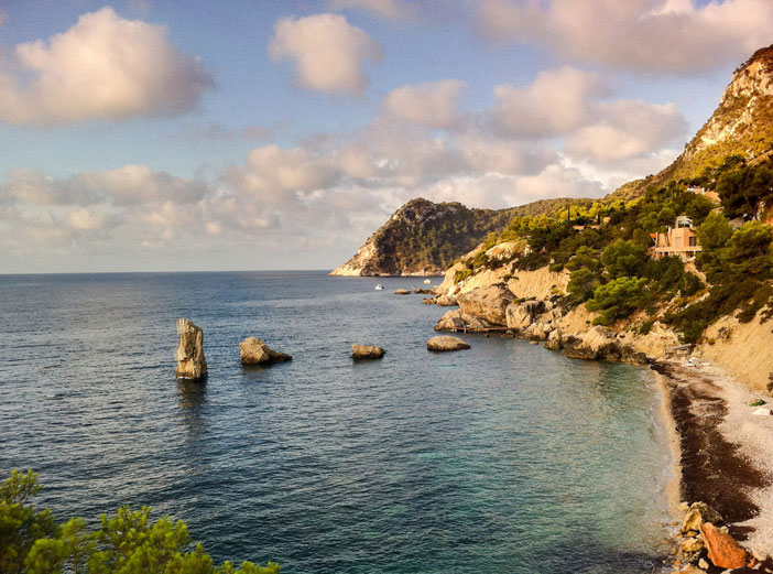 Ibiza coastline. Flickr Creative Commons: David Sim.