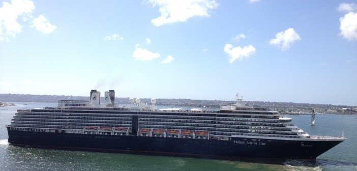 MS_Zuiderdam_(Port_Welcomes_Three_Cruise_Ships_on_May_7,_2013_(8717988207))