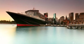 Queen Mary 2 cruise ship in Sydney. Sourced from Flickr creative commons, credit: Sacha Fernandez