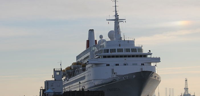 cruise ship on boudicca
