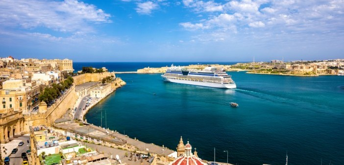 Cruise ship leaving Valetta cruise travel guide