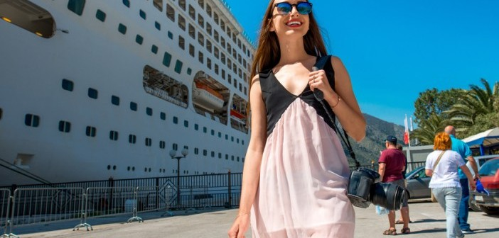 Fotolia_Cruise Lady