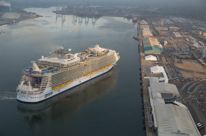 Cruise Miss spent 2 nights aboard Harmony of the Seas, this is what she told us