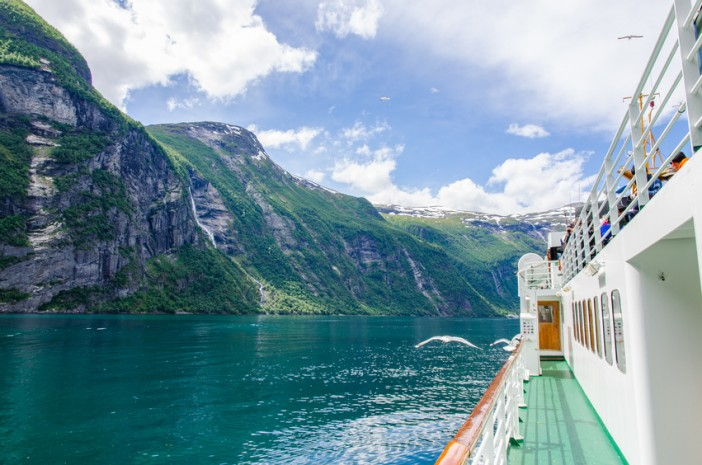 Cruise Miss sails to the Norwegian Fjords
