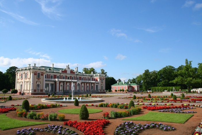 Kadriorg Park is often called Baroque pearl of Tallinn.
