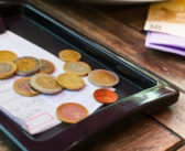 A Guide to Tipping Etiquette Around the World [Infographic]