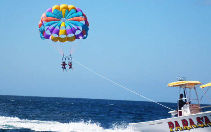 parasailing on caribbean islands