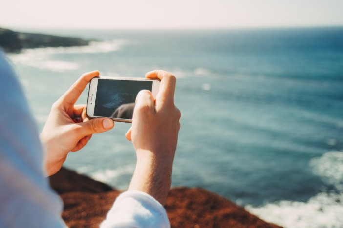 A How-To Guide for Using Your Phone on a Cruise