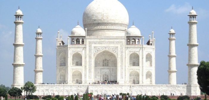 Tackling the Taj Mahal: A Daytripper's Guide to Getting the Most from a Visit