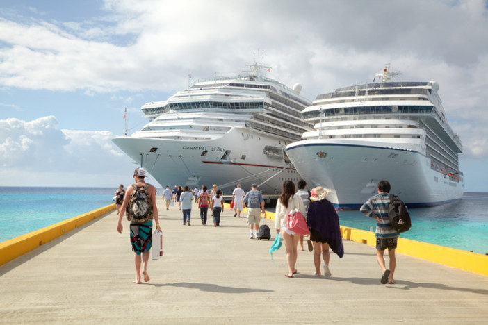Cruise Passengers Return to Ship